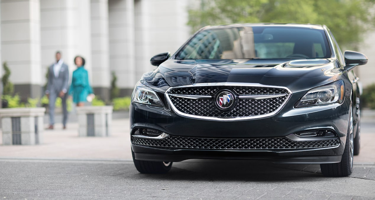2019 Buick LaCrosse Avenir's exclusive Avenir grille with Black Ice finish.