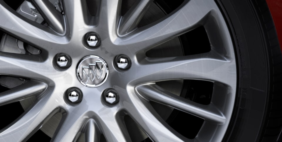2019 Buick LaCrosse's available 19-inch painted aluminum wheels.