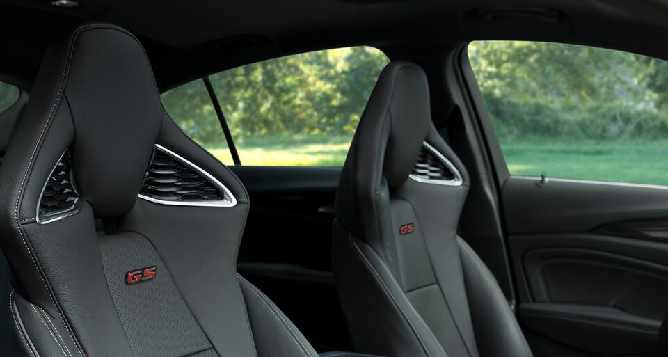 Regal GS-exclusive racing-inspired seats.