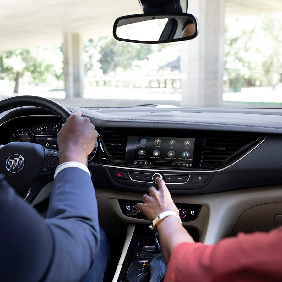 Buick Regal Sportback technology: Infotainment System with an 8-inch diagonal hi-res colour touch-screen.