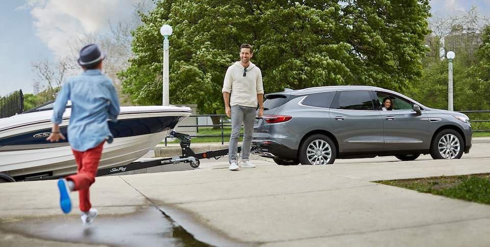 Buick Enclave exterior: available trailering package.