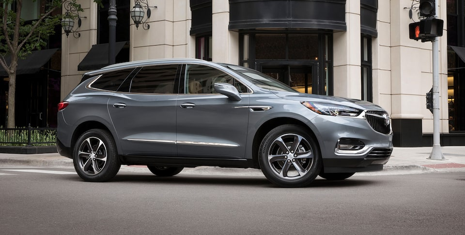 Buick Enclave performance: available intelligent All-Wheel Drive with Active Twin-Clutch.