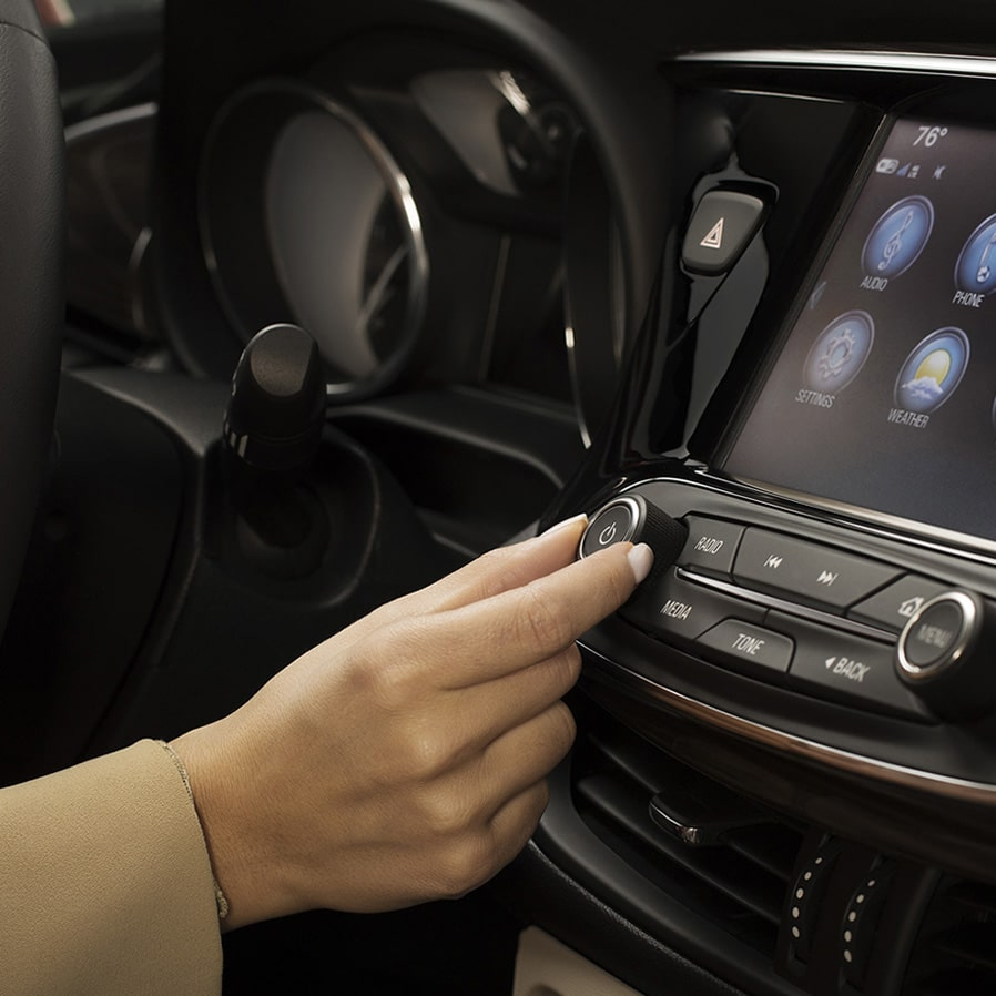 The 2019 Buick Envision keeps you connected with technology.