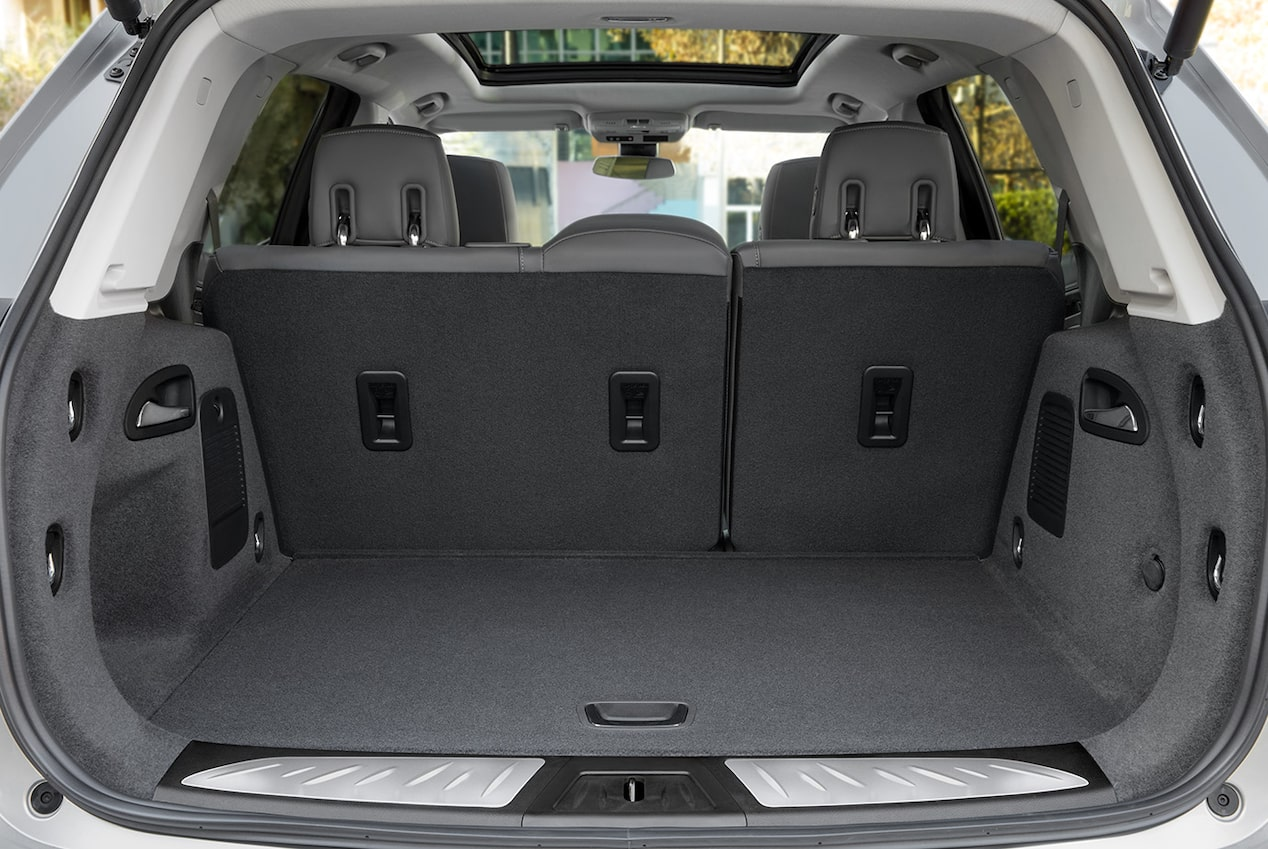 The 2019 Buick Envision features flexible cargo storage to accommodate a variety of cargo and passenger configurations.