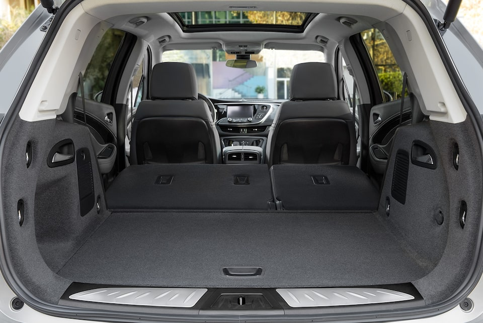 The Buick Envision features flexible cargo space with 60/40 split-folding rear seats to accommodate cargo and passengers.