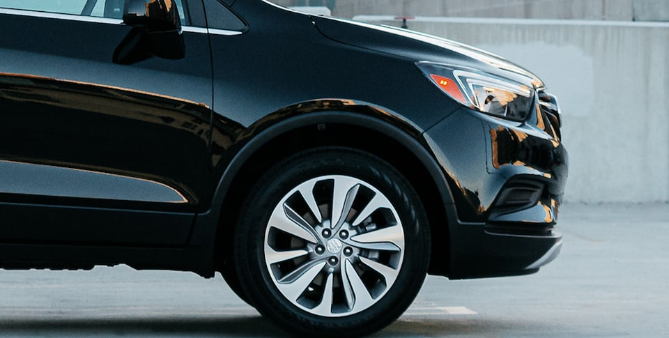 2020 Buick Encore Small SUV Exterior Medium View of Wheel.