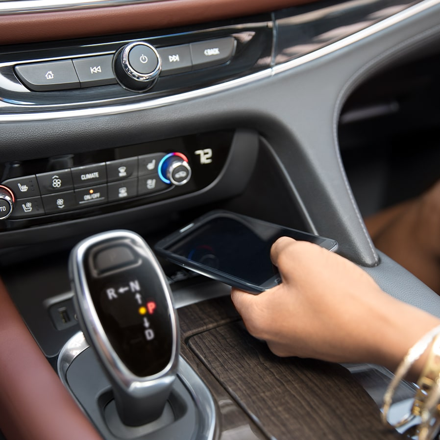 2020 Buick Enclave Avenir Mid-Size SUV Smartphone Charging.