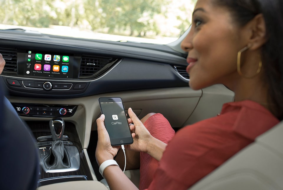 Regal Sportback mid-size luxury sedan technology: available OnStar 4G LTE with a built-in Wi-Fi hotspot.