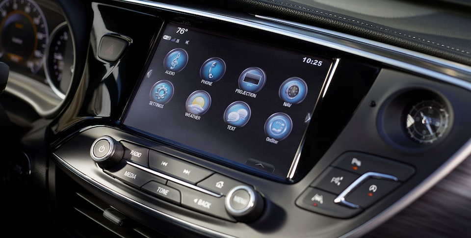 2020 Buick Envision infotainment system.
